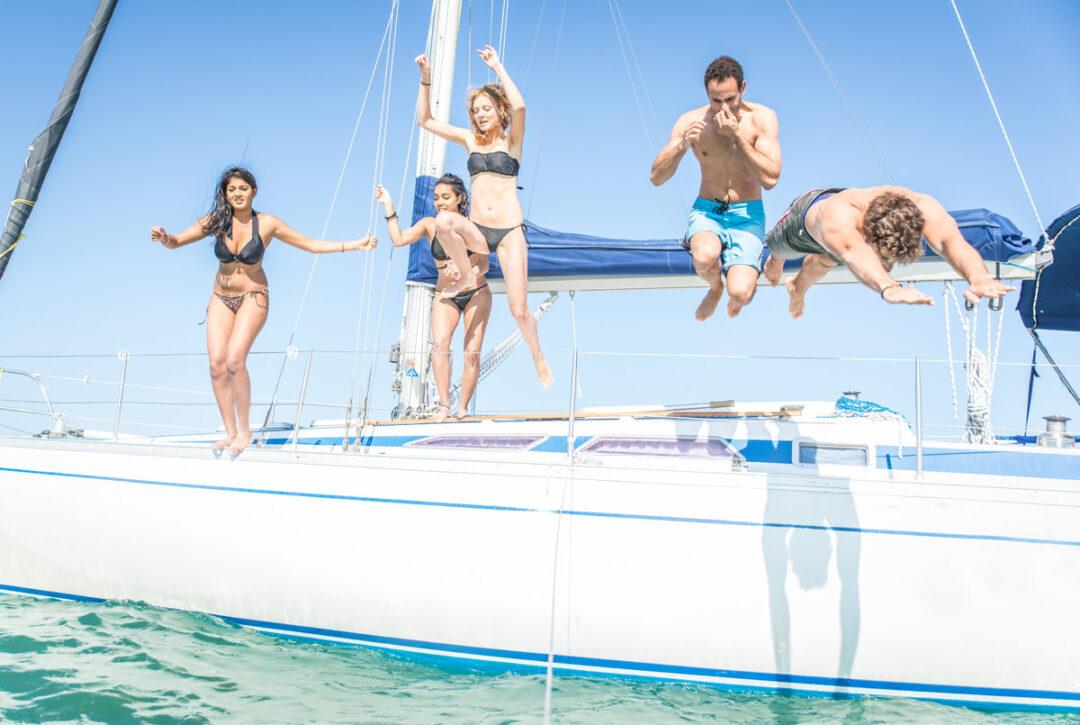 navegar_barco_proteccion_sol